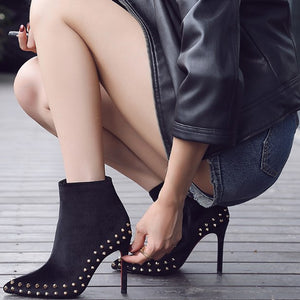 Small Size Rockstud Boots For Women AP178