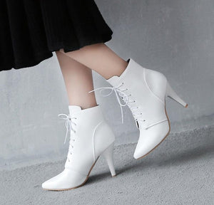 Small Size 4 Women's Lace Up Heeled Ankle Boots