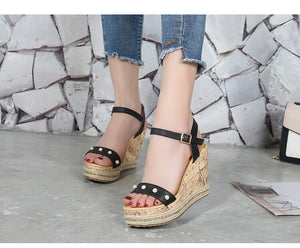 Women's Small Size Open Toe Strappy High Wedge Platform Heel Wood Decoration Buckle Sandals