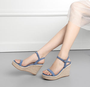 Ladies Small Size Platform Wedge Sandal SS139