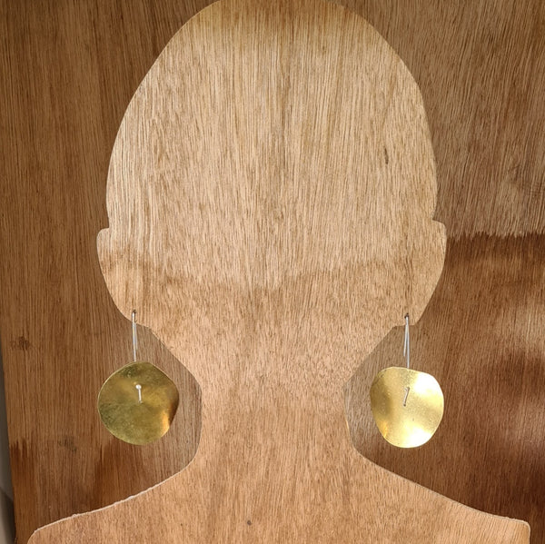 Hanging disc earrings