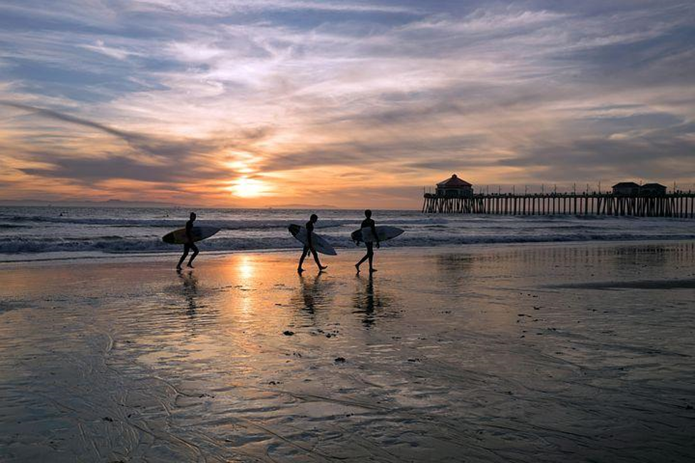 HOW TO SPEND YOUR DAY AT HUNTINGTON BEACH - Paradox