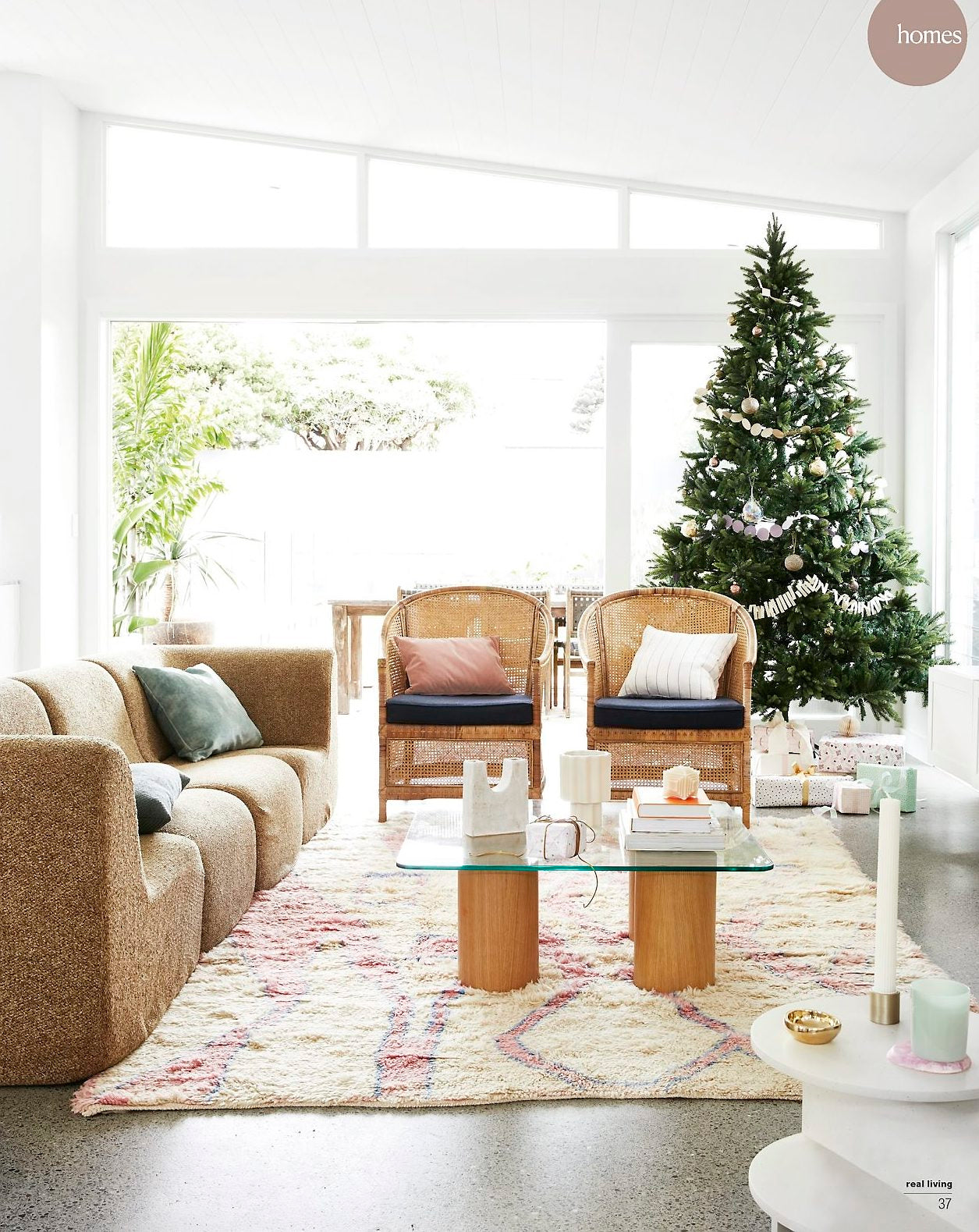 Makers' Mrkt ceramics feature in Dec 2020 Real Living Magazine Christmas Issue