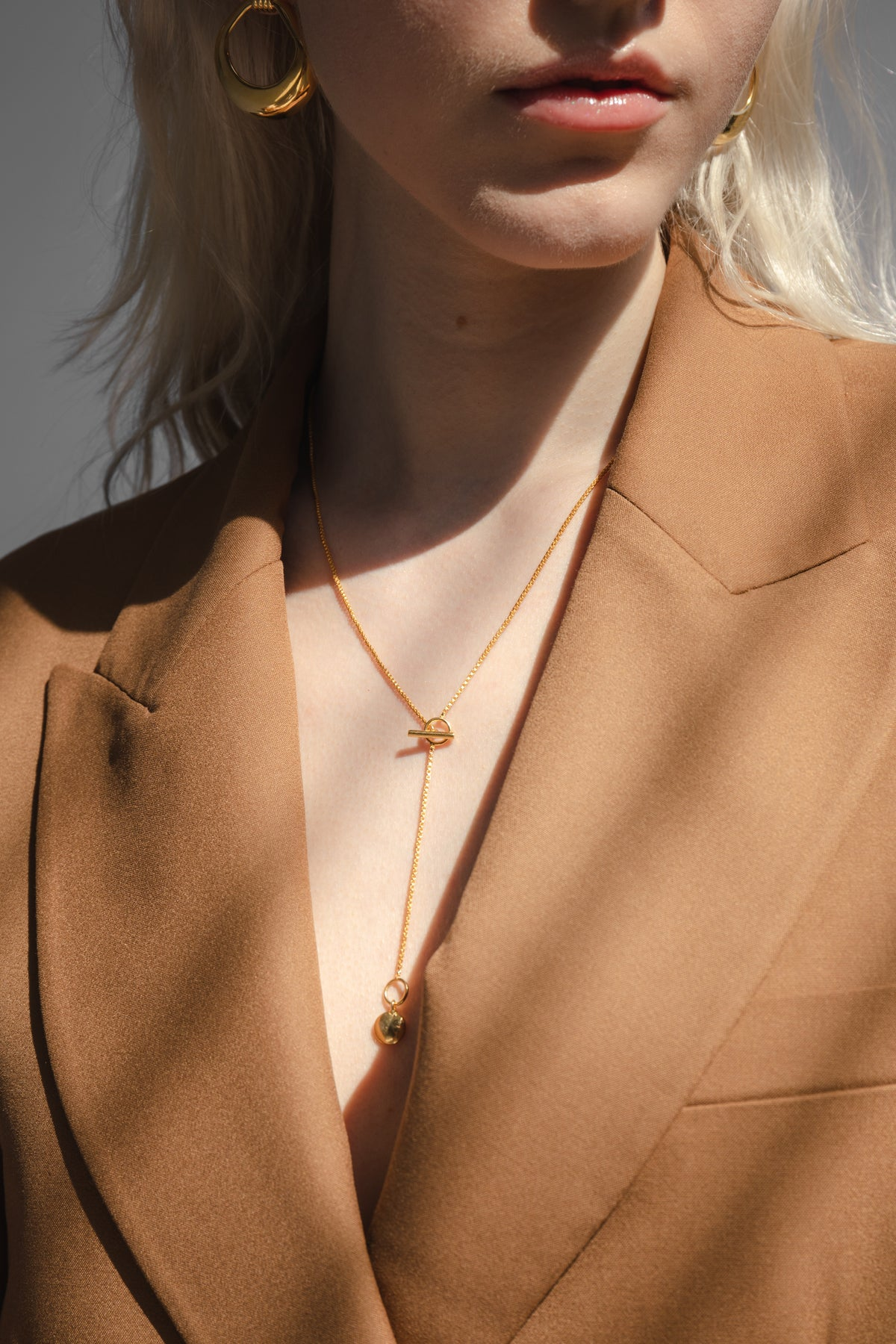 Girl wearing the Flash Jewellery Eva necklace available on Maker's Mrkt Makers Market Melbourne 18ct gold