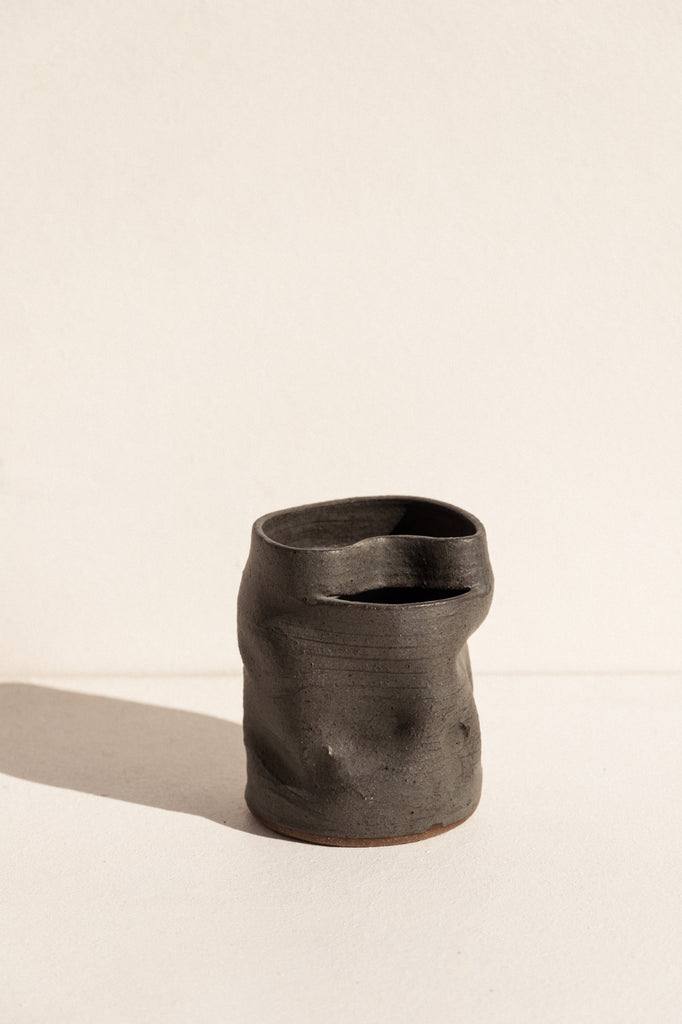 asobimasu clay Kyokosen ceramic vase in velvet green on makers mrkt makers market melbourne