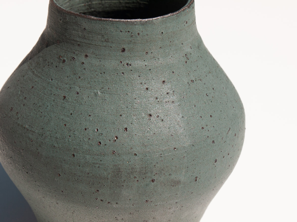 Shibo green round hand-thrown vase by Asobimasu Clay Maker's Mrkt Makers Market Melbourne
