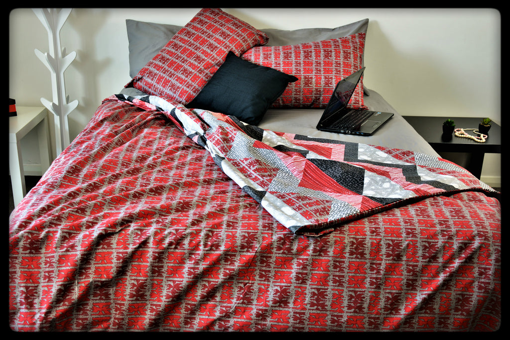 Queen Size Colorful Cotton Quilt Covers by Naqsh (Style: Lava with grey Sheet)