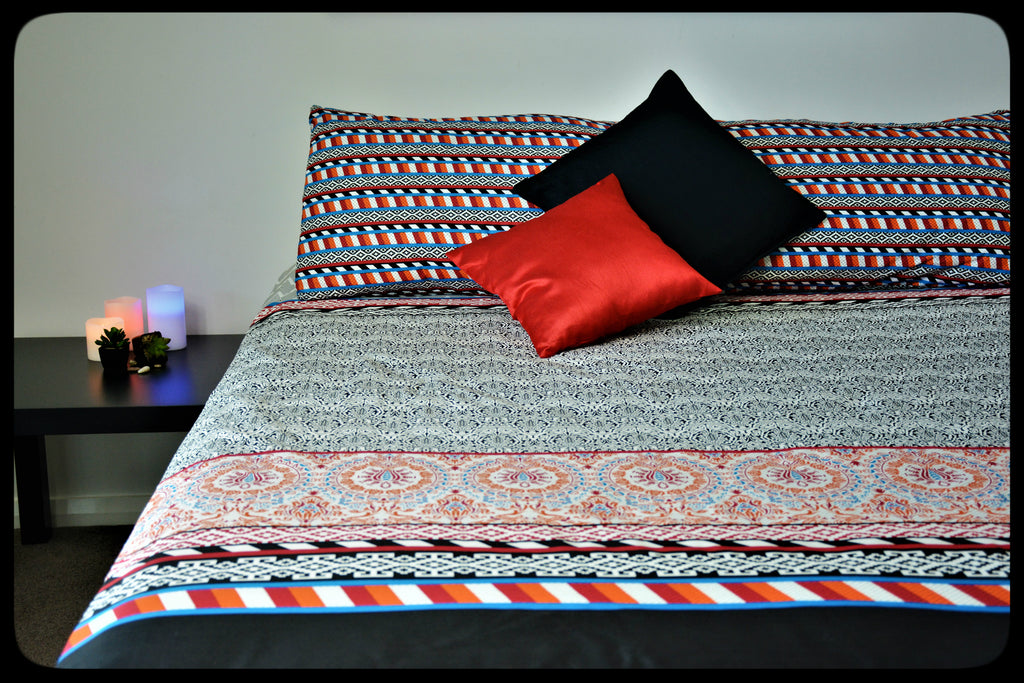 King Size & Queen Size Bed sheets. Quality Bed Sheets. Colorful Cotton Bed Sheets (Fitted Sheets) by Naqsh (Style: Pankh / Feather)