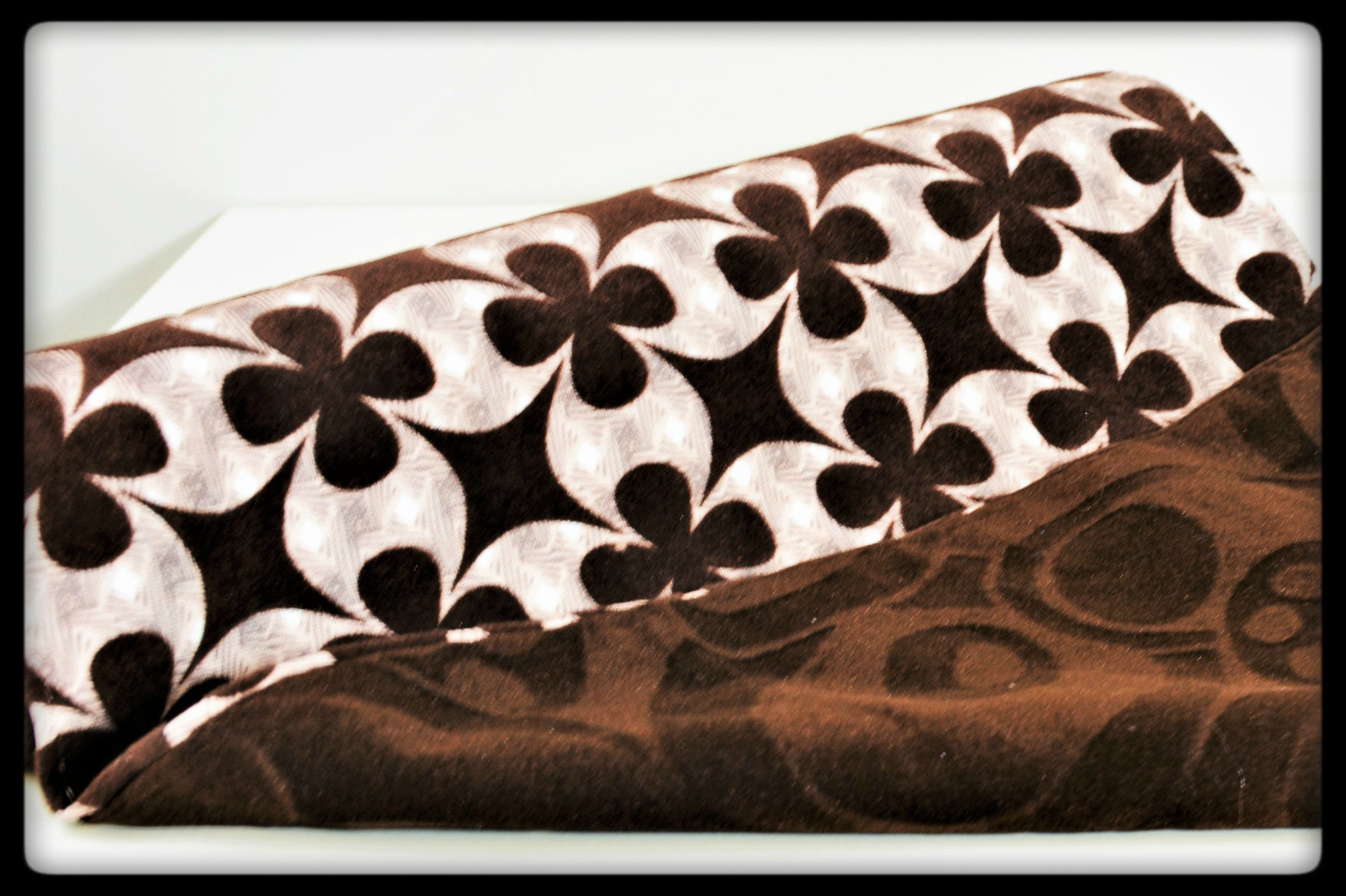 DioBrown Table Runner