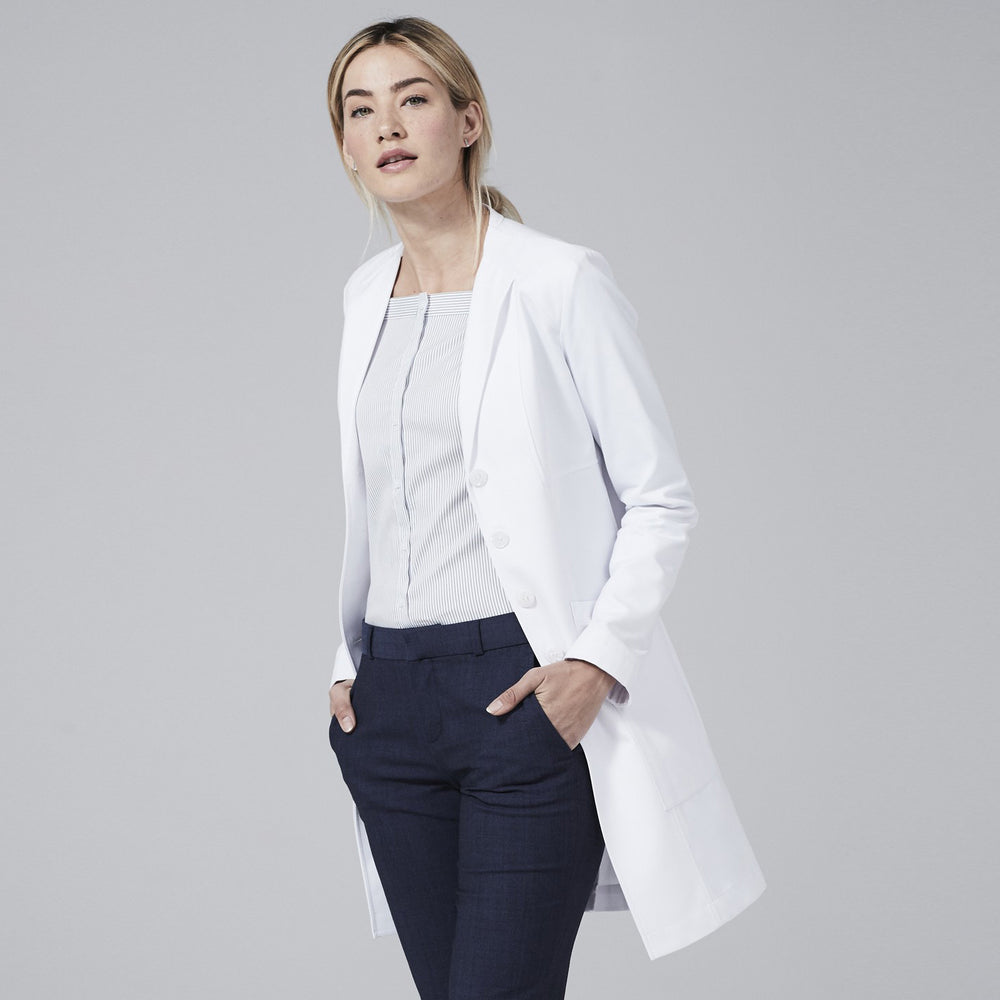 M3 VERA SLIM FIT LAB COAT