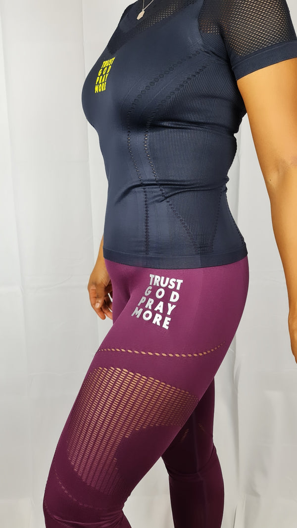 WOMEN'S TRUST GOD SEAMLESS '3D FIT' MULTI-SPORT SCULPT LEGGINGS (MULBERRY)