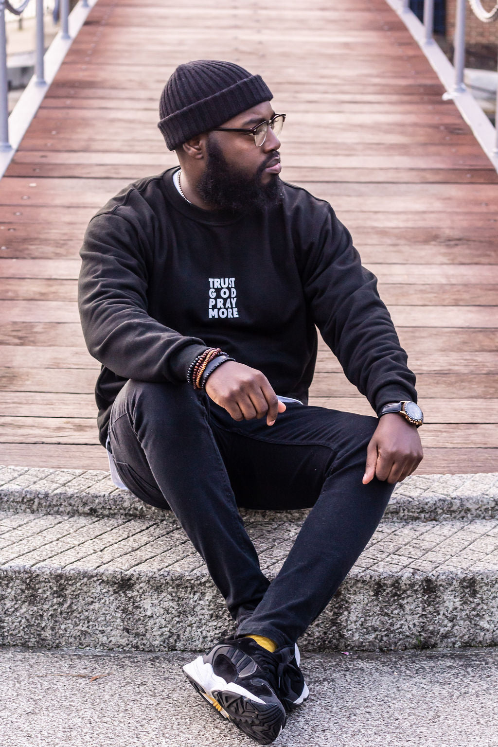 TRUST GOD Unisex Sweatshirt (Black)