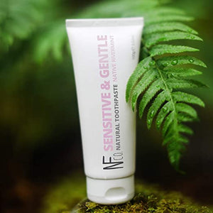 The Natural family tannkrem -sensitive and gentle""