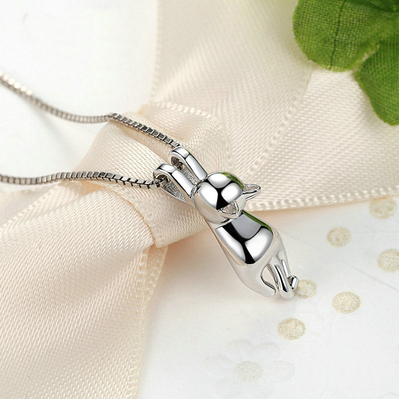 Hang - Silver Necklace - Conscientnetworks