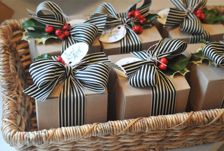FREE EVENT - Gift Wrap like a pro - Saturday, December 22nd at 3 p.m.