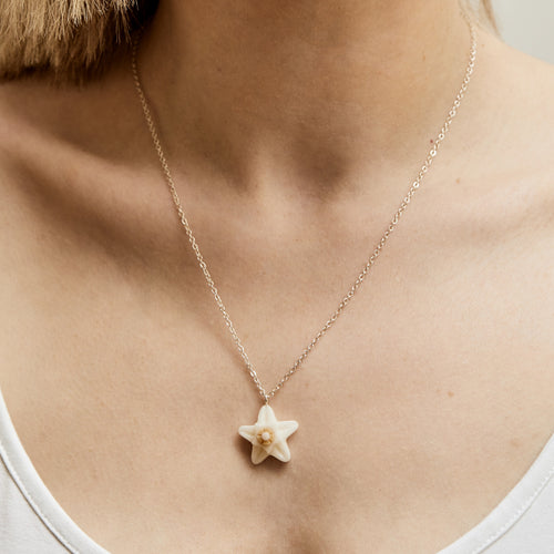 Just Trade Just Trade for Kettle's Yard Hoya Flower Pendant Necklace 2