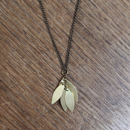 Just Trade Just Trade for Kettle's Yard Hoya Leaves Pendant Necklace 1