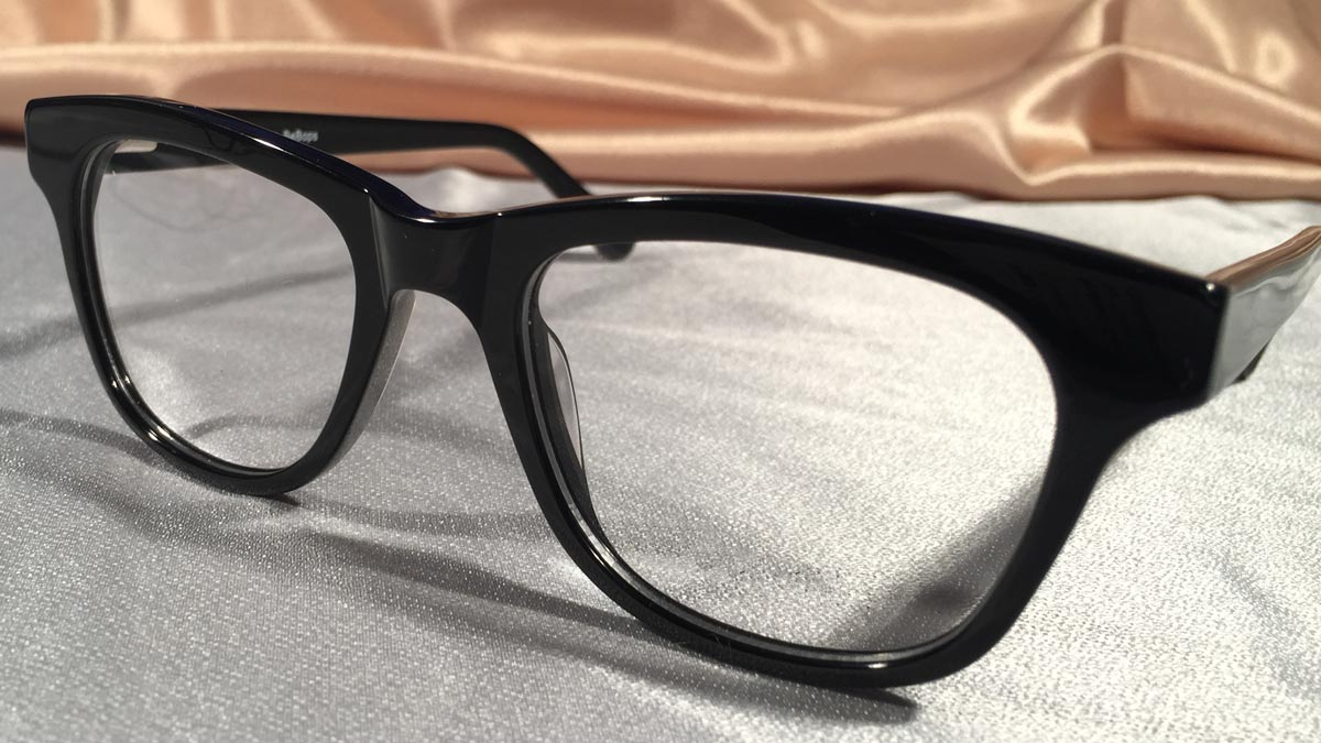 Bebops – Glossy Black Frames that Define Cool