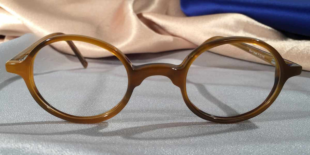 Front view of Peabody-Pierce #6 Blonde Streak tortoiseshell eyeglasses
