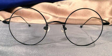 Front view of Signature Metal Rounds black eyeglasses