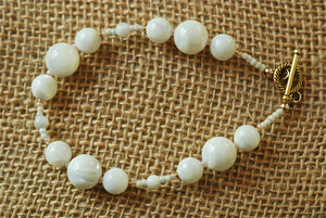 Mother of Pearl  Bracelet with round beads - 3020B