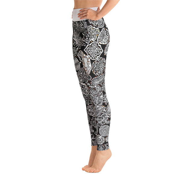 Black & White Doodles Yoga Pants