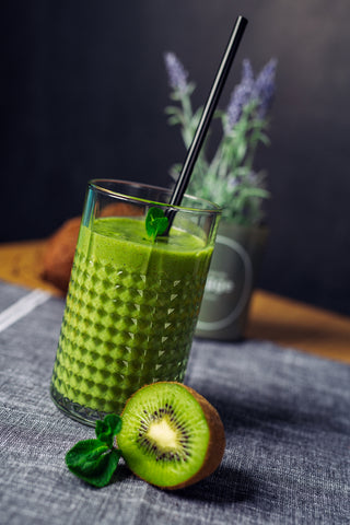 soursop green giant smoothie with kiwi
