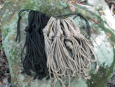 Parachute cord management