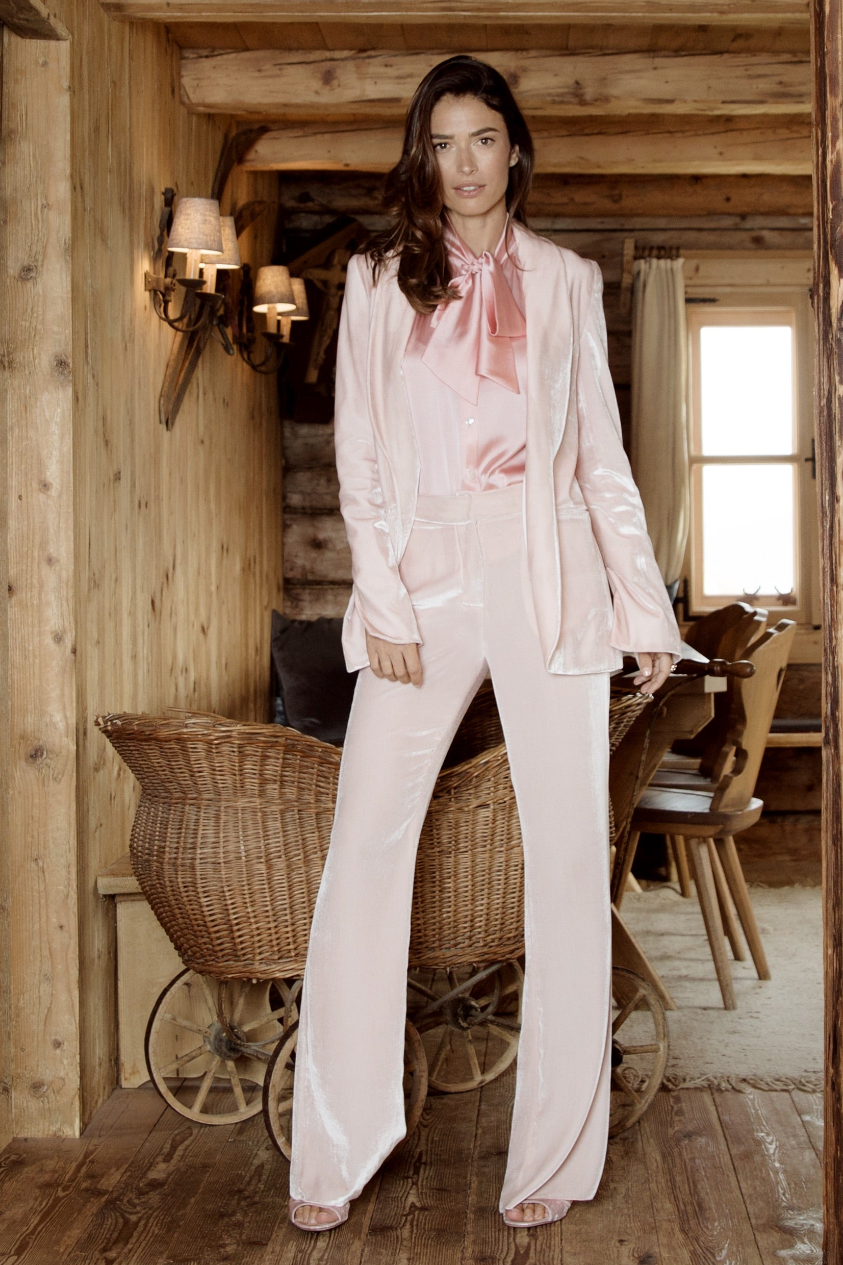 Velvet trousers Paco in Pale pink