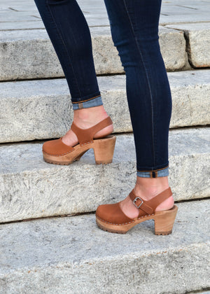 brown_swedish_clogs