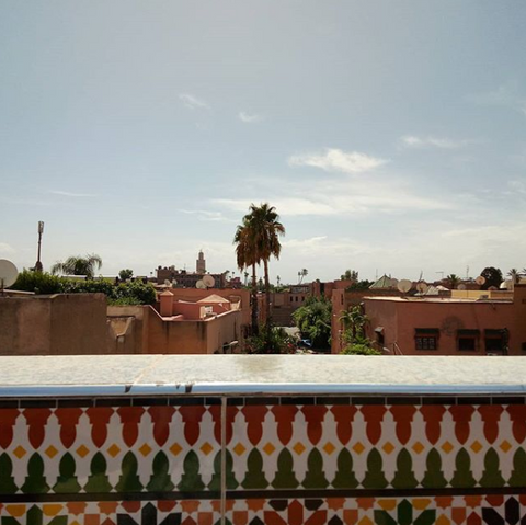 "Teaching location: Marrakech, Morocco 🇲🇦 The terrace lifestyle is the best here and I love these rooftop views! My husband manages hostels in this city so he set up a teaching office space in the building for me. Thankfully, the guests don't seem to mind when they walk past my door and I'm loudly saying ""A for Apple""!"