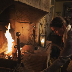 setting the fire in tuscany @caroleonthefly