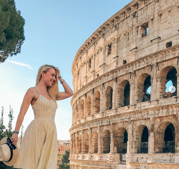 How to Stay Fashionable in Every Travel Instagram Photo