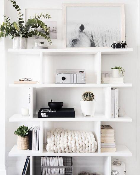 5 Tips on How to Style Your Book Shelf | Guest Post