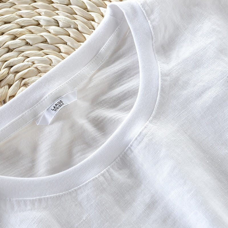 Feathers Embroidery T-shirt (2 colors)