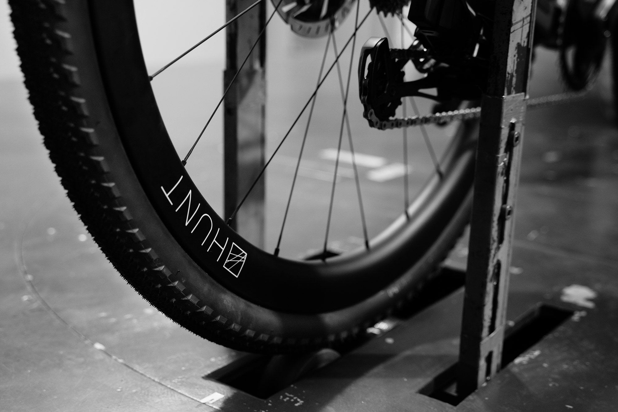 <h1>Wind tunnel proven</h1><i>Proven to offer the lowest aerodynamic drag among tested gravel-specific wheelsets under 50mm depth, offering the rider up to .12 Watt savings over renowned competitors, and 16.8 Watt savings over non-aero gravel wheels</i>