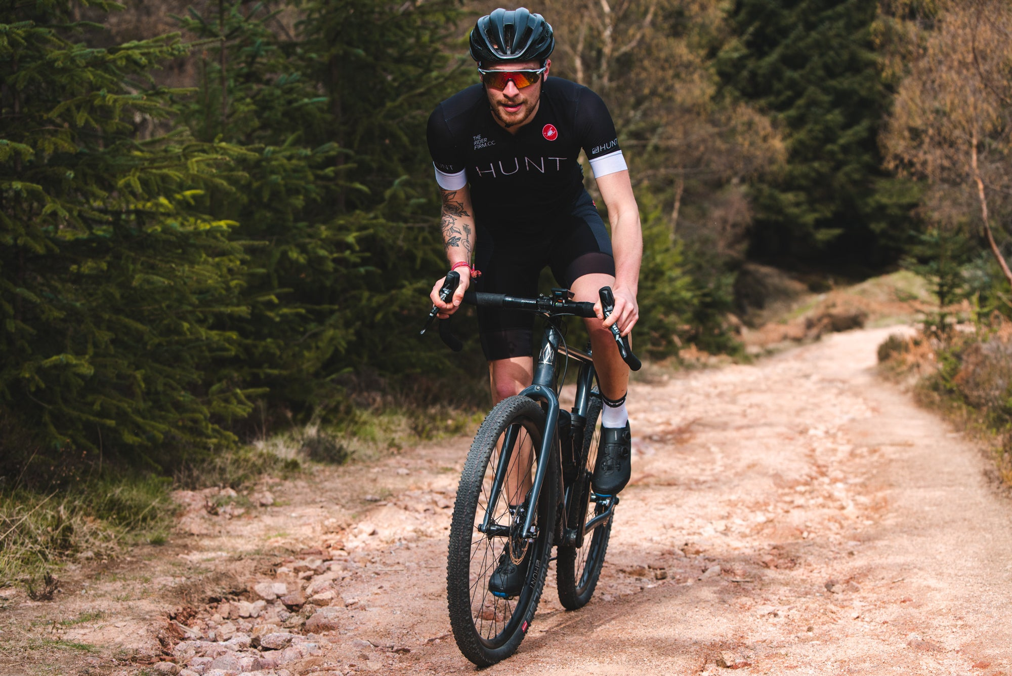 <h1>Weight</h1><i>The consequence of the fanatic attention to detail is incredible durability and a resulting low 1594g gram wheelset weight. Acceleration and climbing are massively improved over many of the stock wheels supplied on road/gravel/CX disc brake bikes.</i>