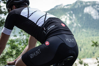 <h1>Free Aero Race Bib Shorts</h1><i>Progetto X2 Air seat pad for even greater comfort</i>