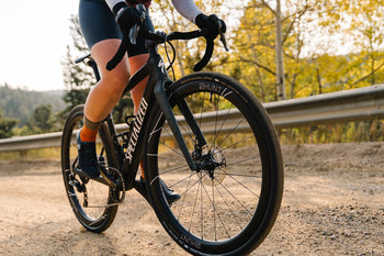 <h1>Tyre Compatability</h1><i>Designed around a 24.5mm internal rim width optimized aerodynamically for 38-42c gravel tyres but will work with any tyre up to 54c. Also works excellently with clincher tyres and tubes. Naturally, as with all of our rims, they feature a hooked tyre retention design for safety, and are both fully ETRTO-compatible and tubeless-ready.</i>