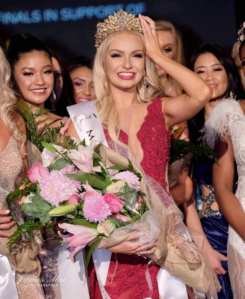 Miss Grand Australia 2019 crowned with Destiny Crown.