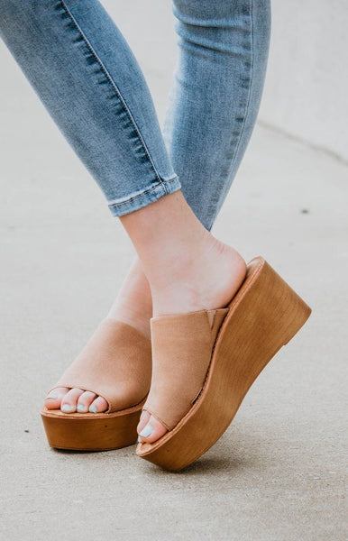 Waverly Tan Wedge