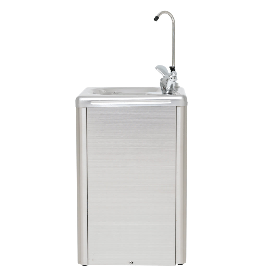 Chilled wall mounted drinking fountain FWM5SSS