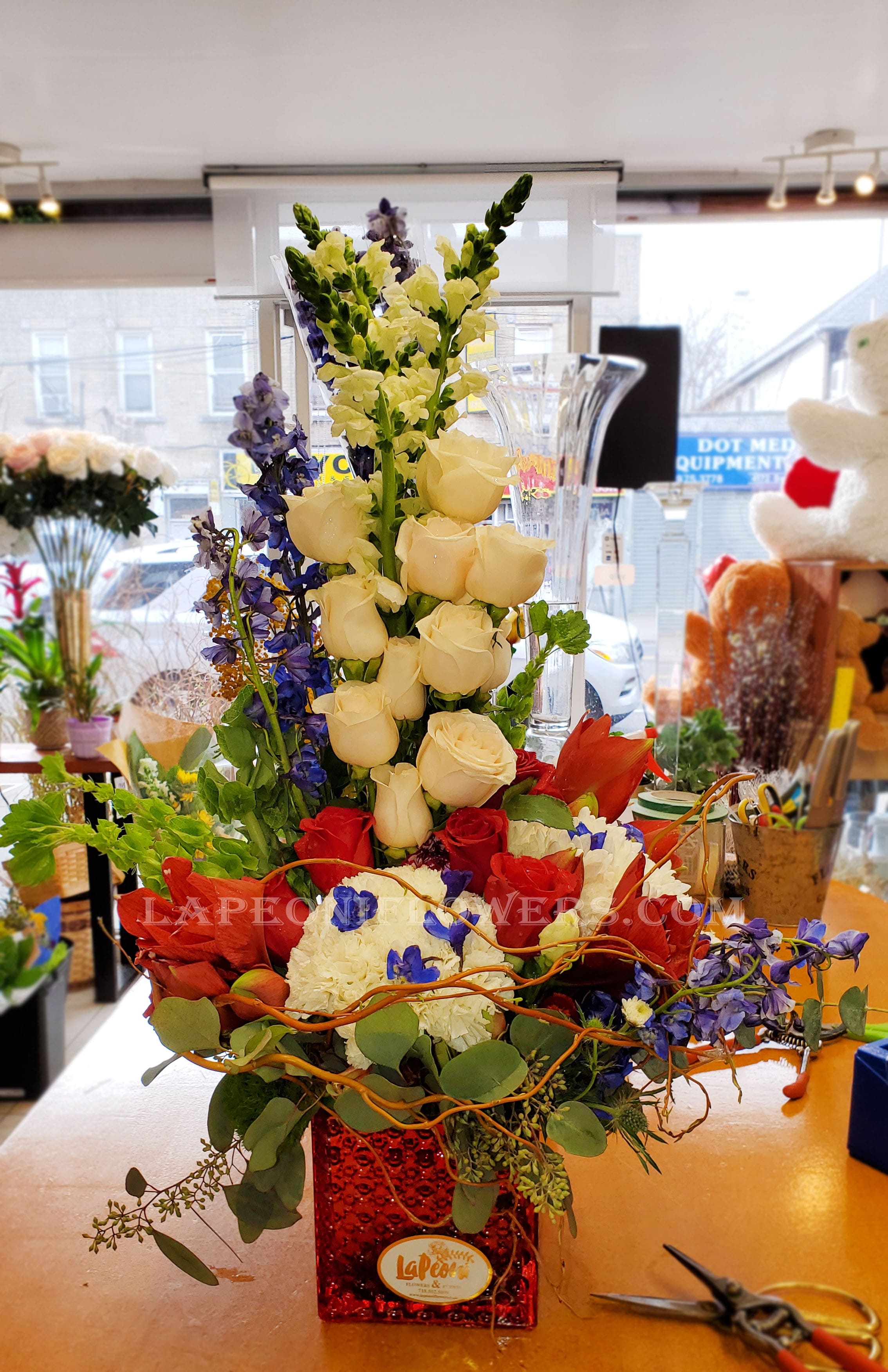 Expression of Blooms - Lapeoni Flowers and Events
