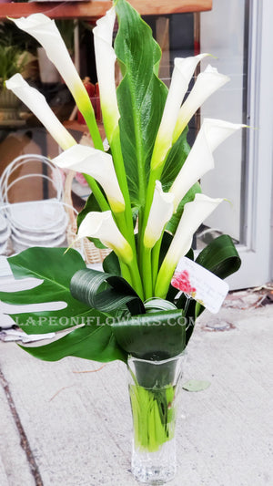 Calla Lilies Arrangment - Lapeoni Flowers and Events