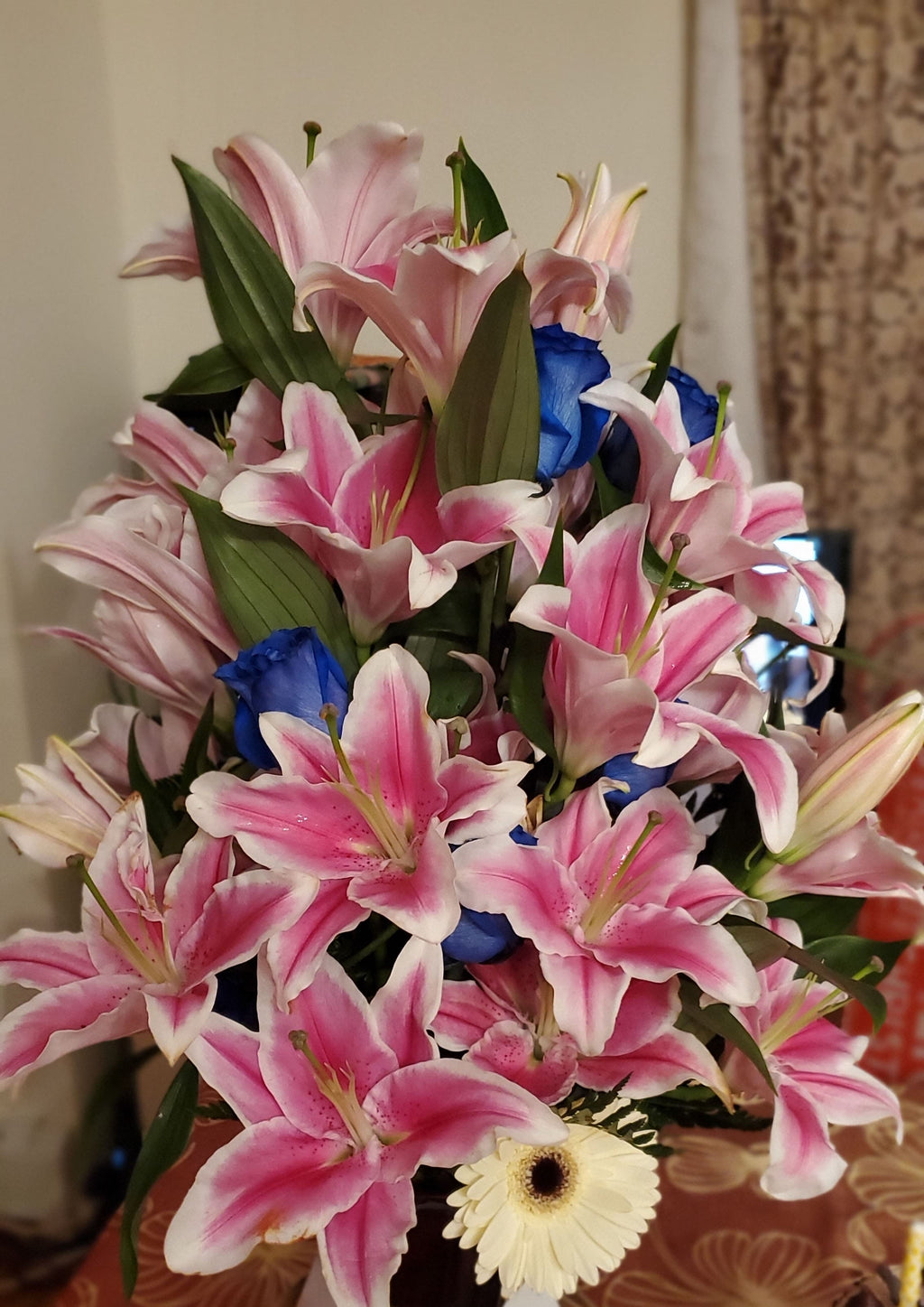 Lily Love - Lapeoni Flowers and Events