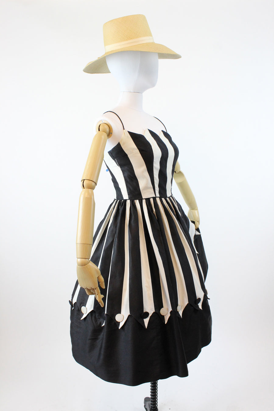 1950s circus dress xs | vintage pointed bust polished cotton dress
