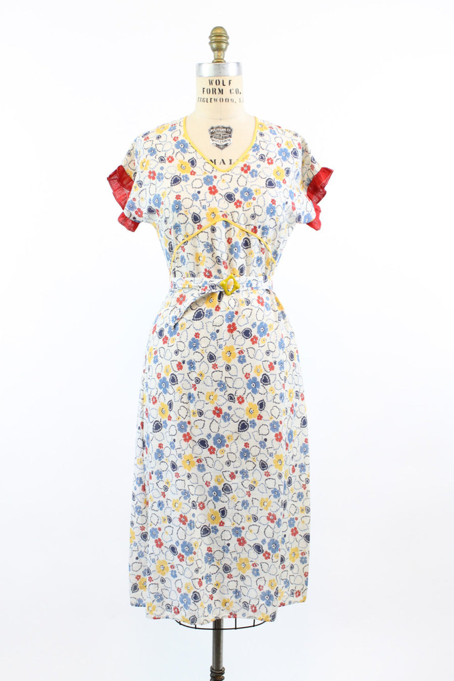 1930s cotton leaf and flower print dress | vintage floral belted dress | small