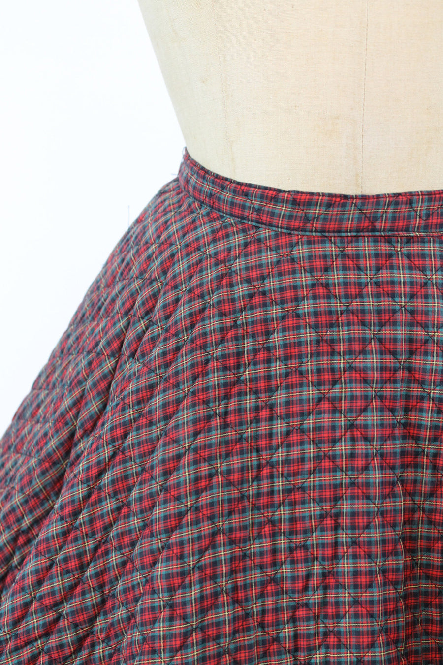 1950s circle skirt | quilted plaid | xs
