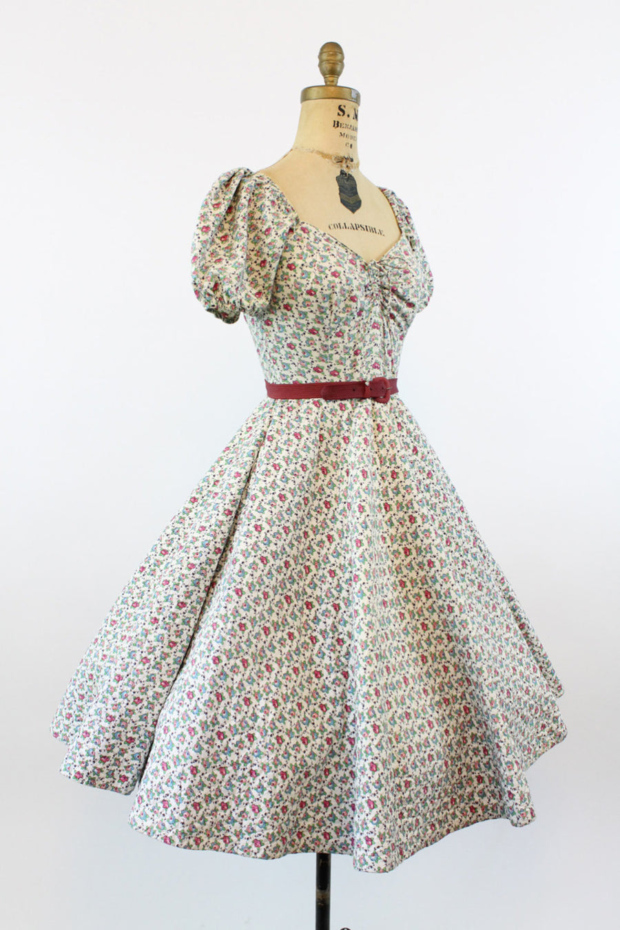 1950s rose print quilted dress | vintage sweetheart full skirt | xs