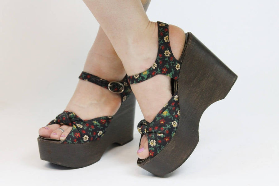 1970s Carber platform wedges size 6 us | vintage knotted shoes | new in